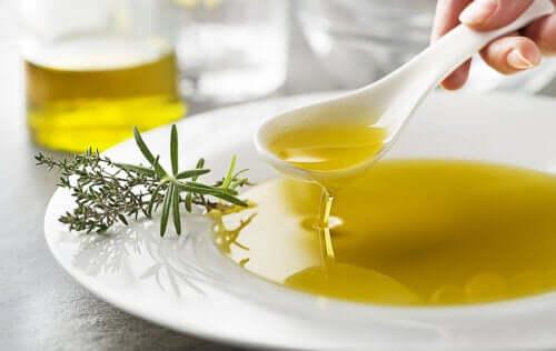 Лимонный сок с оливковым маслом - полезное натуральное средство