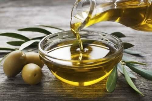 Лимонный сок и оливковое масло