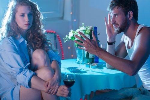 Отношения: признаки того, что ваш партнер «токсичен»