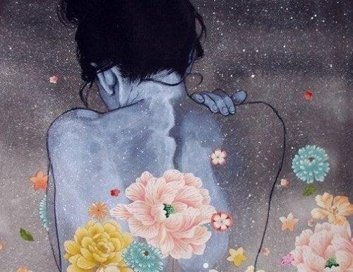Спина женщины и быть счастливее