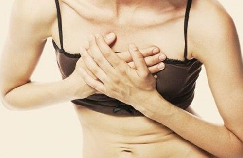 Боль в груди и проблемы с сердцем