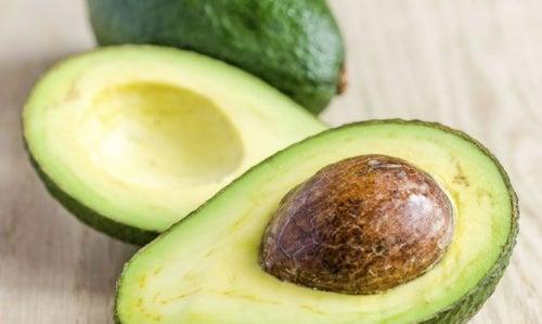 Косточка авокадо и боль в колене