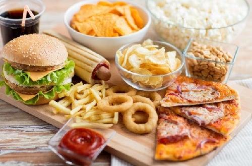 Быстрая еда и боль в колене