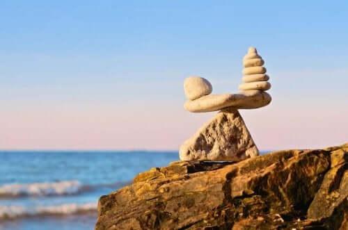 Эмоциональное равновесие камни на пляже