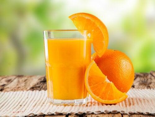 Кишечник и апельсиновый сок