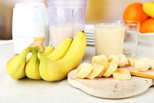 Банан и молоко