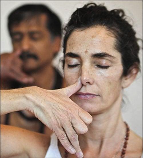 Дыхание через нос поможет нормально спать