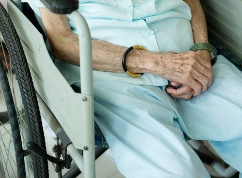 Пролежни: как их избежать и чем лечить у лежачих больных