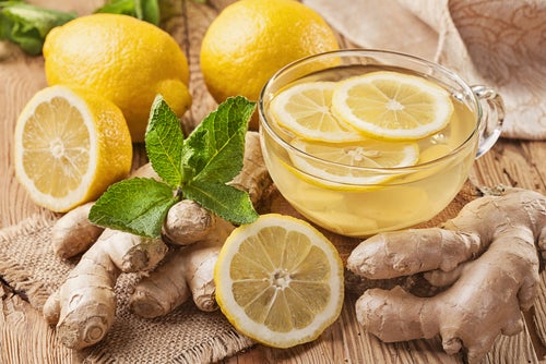 Имбирный чай и имбирь с лимоном