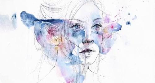 Женщина с красками на лице и острая депрессия