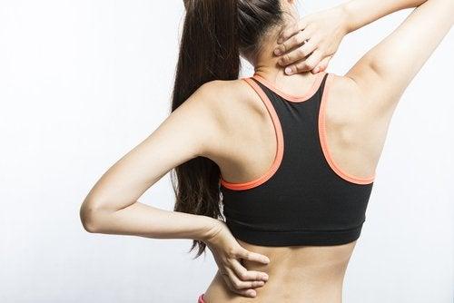 7 простых движений, которые помогут снять боль в мышцах