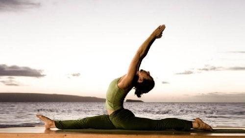 Йога: 6 удивительных поз, которые помогут сбросить вес