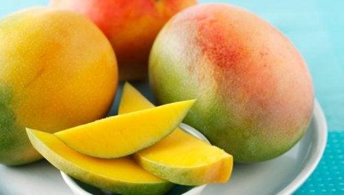 7 веских причин, почему стоит почаще есть манго!