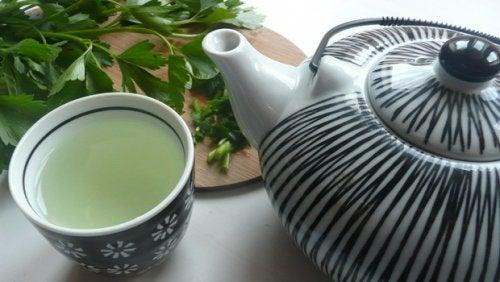 Выведите токсины из печени при помощи этого волшебного напитка