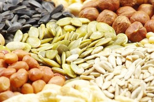 Какие орехи и семена лучше выбрать