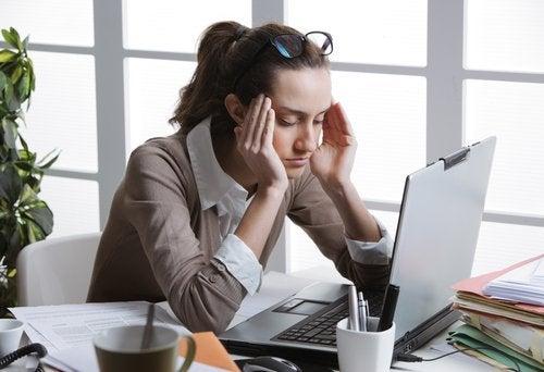 Негативная энергия и головная боль