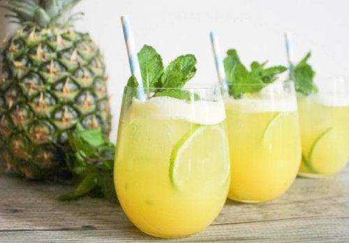 6 полезных свойств ананасовой воды