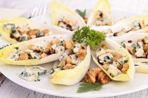 Рокфор и полезный салат