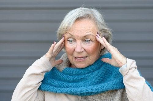 Сигналы и признаки болезни Альцгеймера