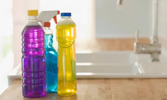 Пластиковые бутылки и их хранение