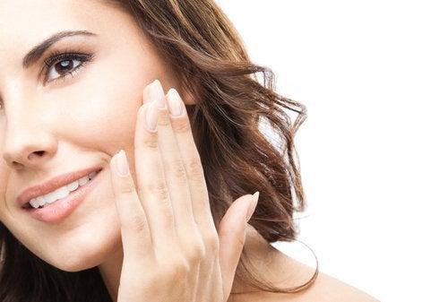 Освежите своё лицо за несколько минут: 7 полезных советов