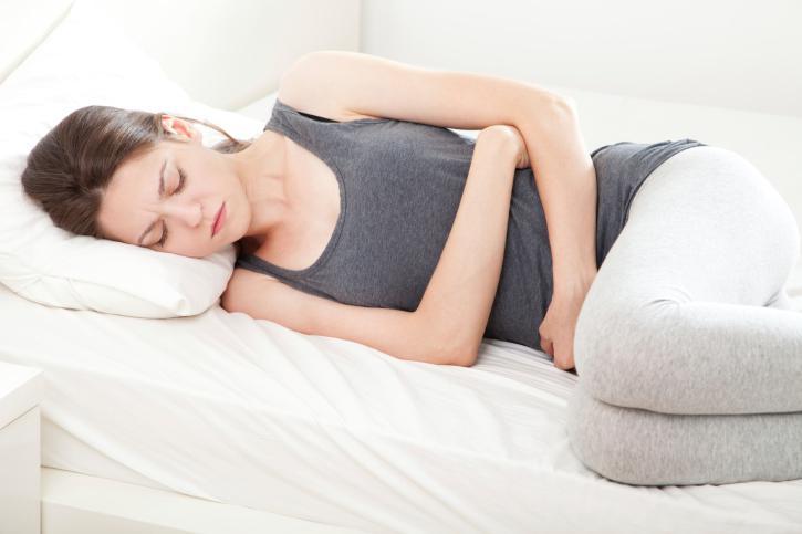 Боли в нижней части живота один из симптомов рака