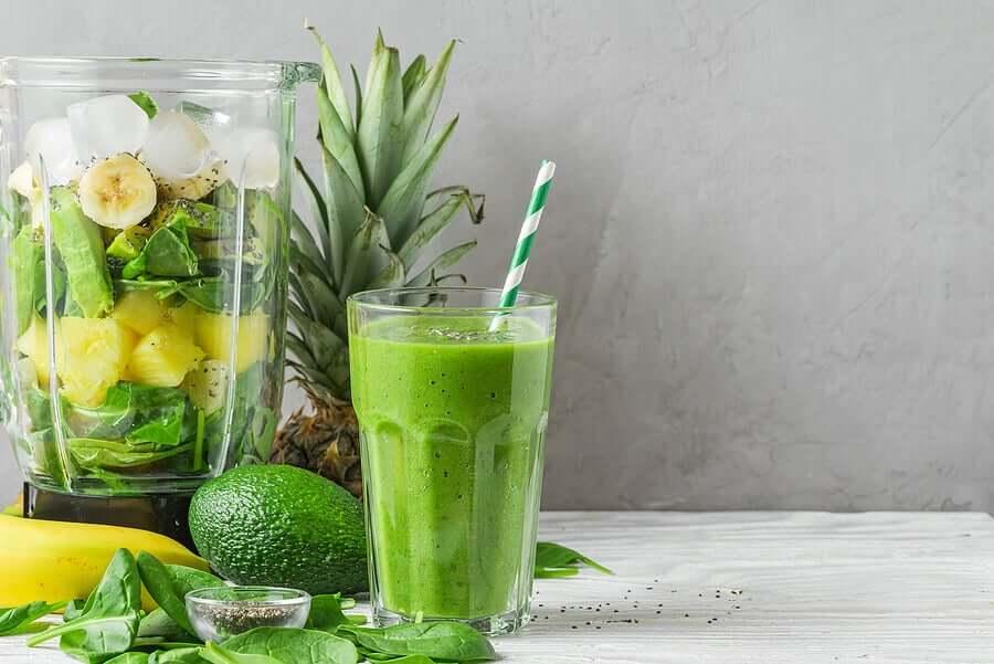 Зеленые соки и коктейли