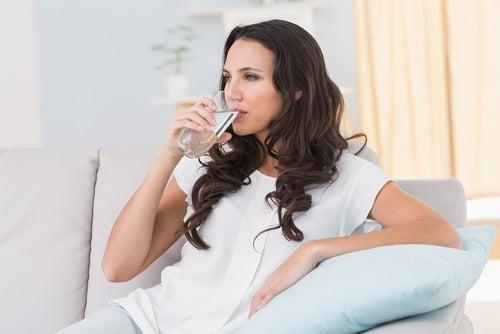 Потребление воды после еды