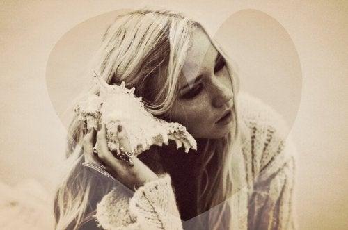 Женщина с раковиной и разочарование