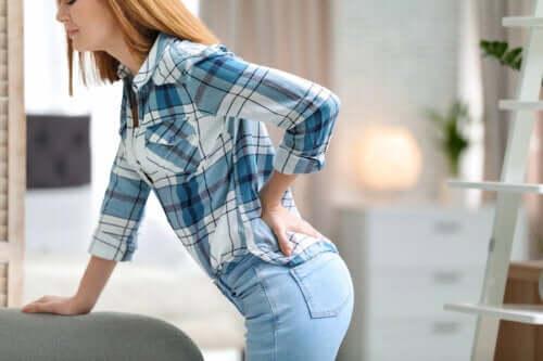 7 упражнений на растяжку, которые облегчат боли в спине
