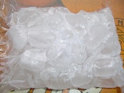 Лёд снимает боль в трапециевидной мышце