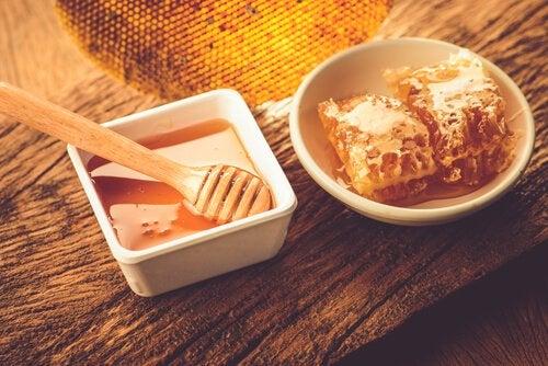 С мёдом прекращается борьба с бессонницей