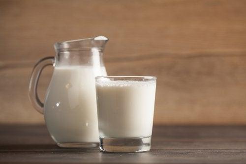 Молоко помогает в борьбе с бессонницей