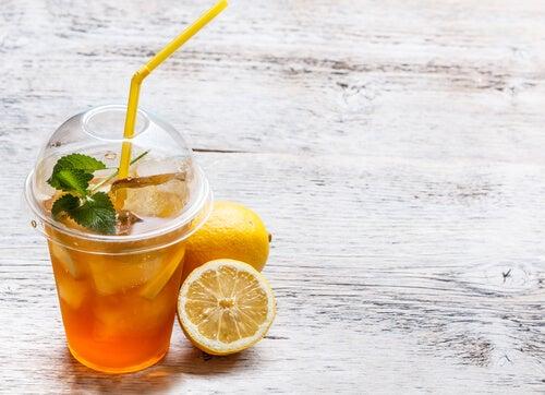 Сесть на диету и пить больше очищающих напитков
