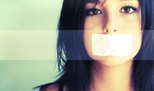 Подростковое молчание и разочарование родителей