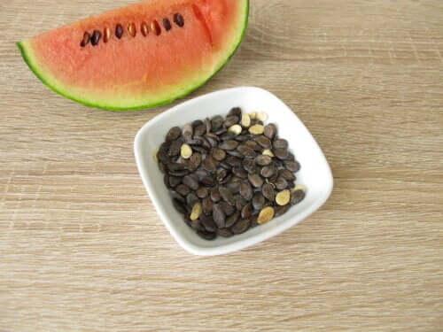 Отвар из семян арбуза: 6 секретов полезного напитка
