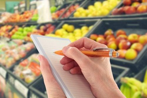 Сесть на диету и избегать полуфабрикатов