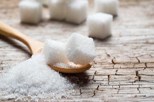 Сахар и черты лица