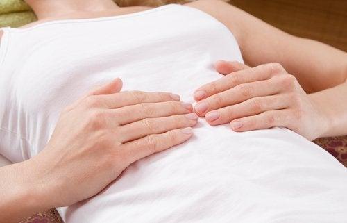 Ответная боль - один из симптомов аппендицита