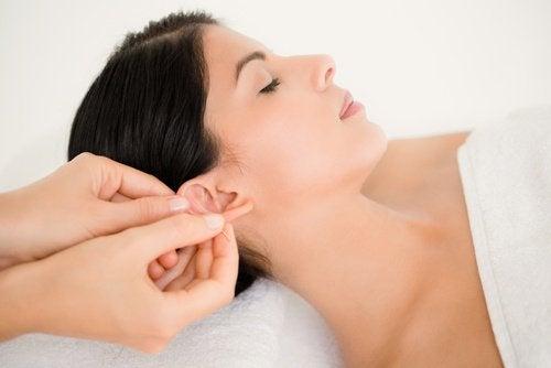 Ухо и массаж