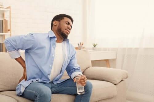 Боль в почках: 6 напитков, которые помогут справиться с ней