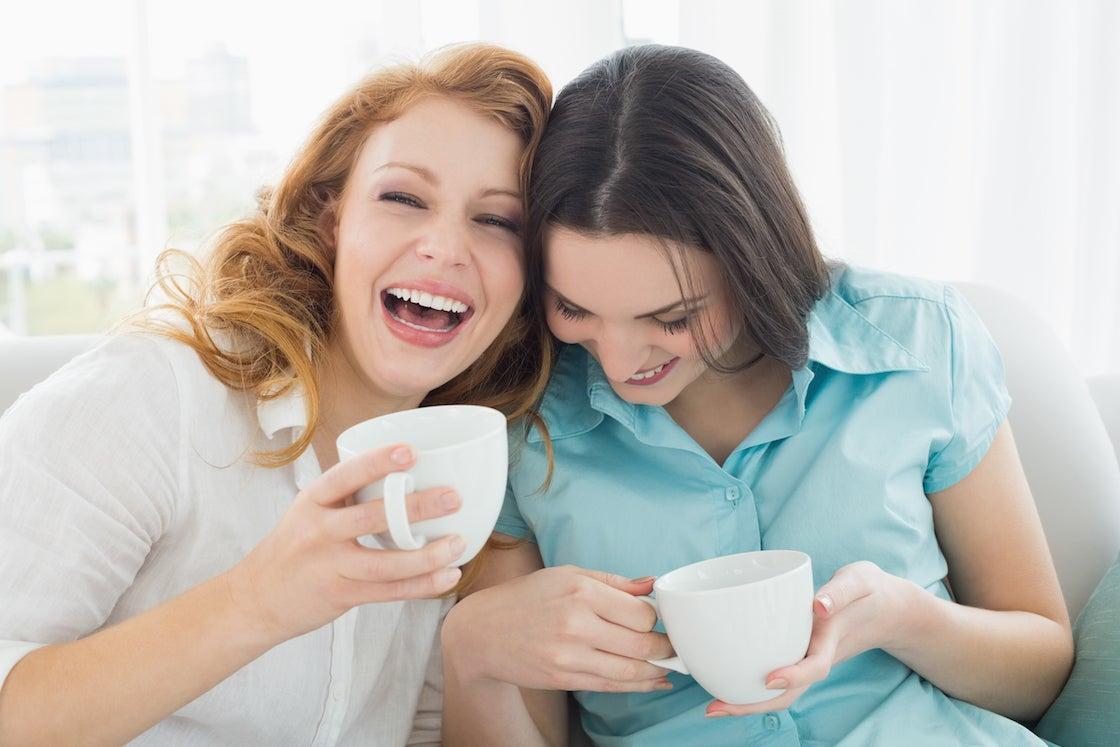 Общение в друзьями играют важную роль в сохранении здоровья во время менопаузы
