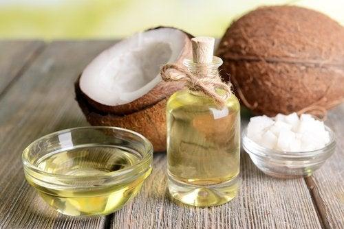 Как кокосовое масло поможет приготовить домашний скраб