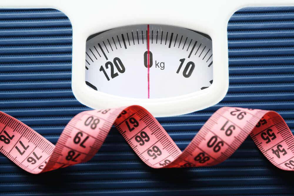 Весы и метр
