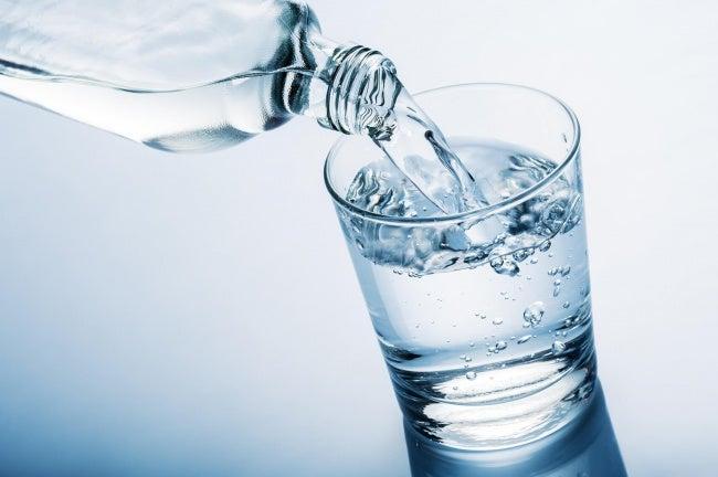 Вода способствует оздоровлению организма во время менопаузы