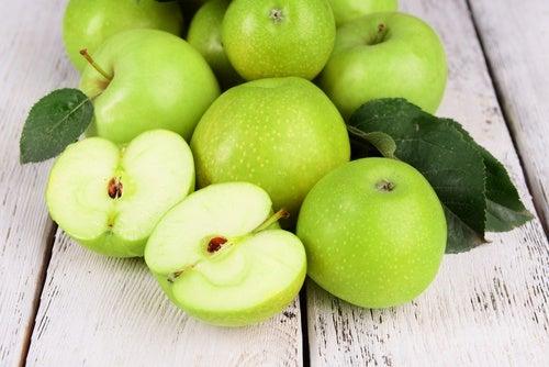 Омолаживающая маска из яблок