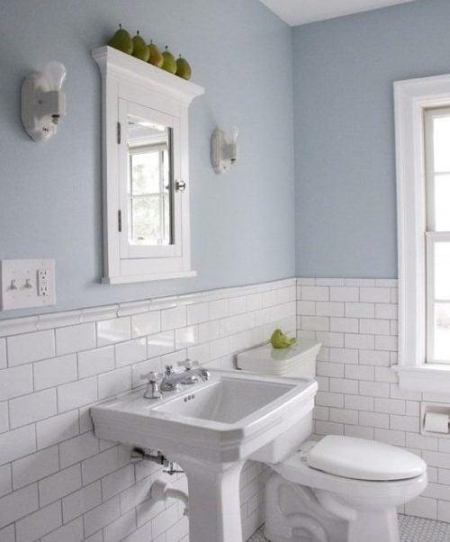 Дизайн и стены ванной комнаты