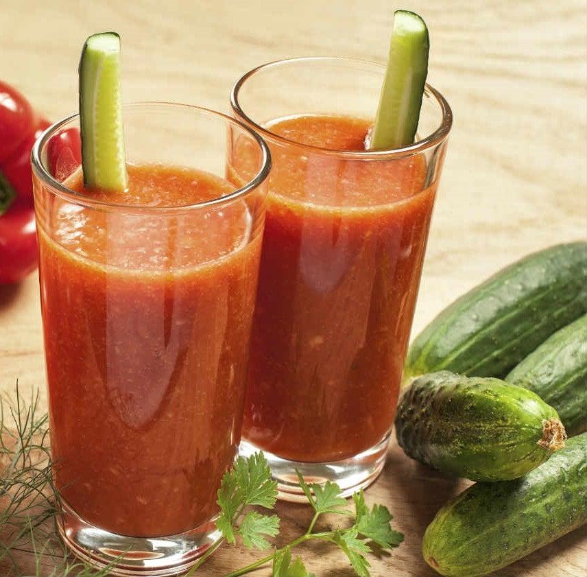 Детокс-коктейли с огурцом и помидором