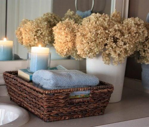 Дизайн и плетёные корзины для ванной комнаты