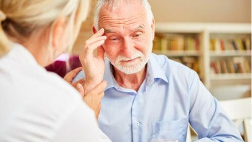 Слабоумие: 8 сигналов, которые должны насторожить